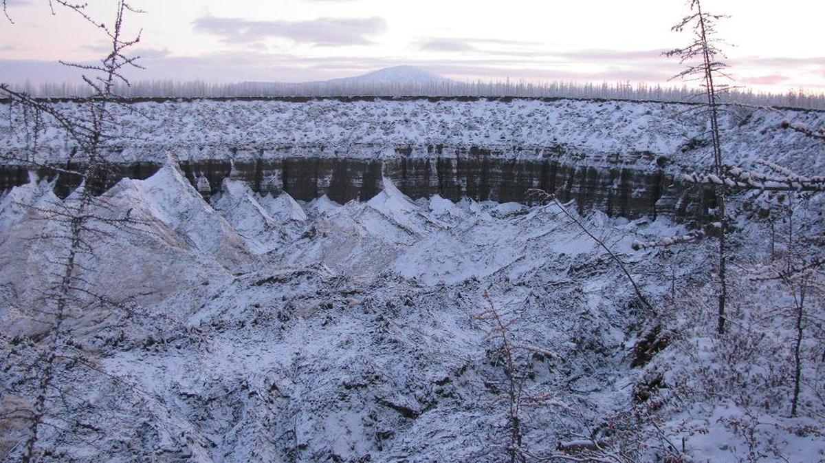 Навостоке Сибири из-за таяния мерзлоты регулярно возрастает кратер Батагайка