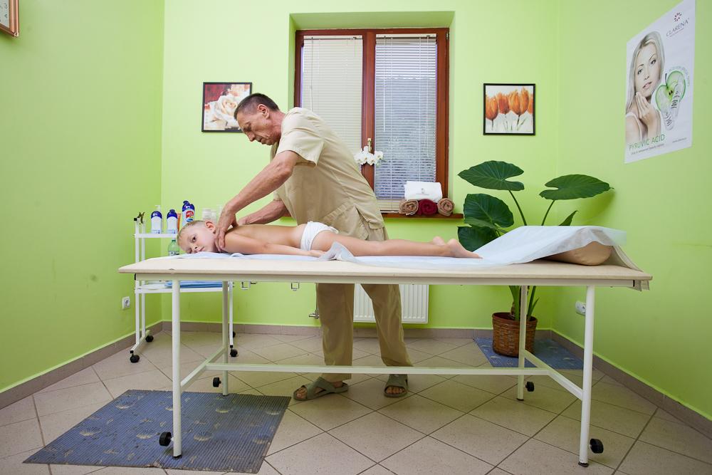 от 1070р.  Массаж при шейно-грудном остеохондрозе.
